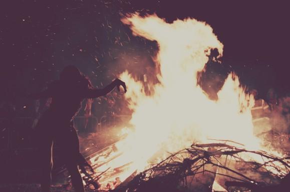 Edinburgh_Beltane_Fire_Festival_2012_-_Bonfire