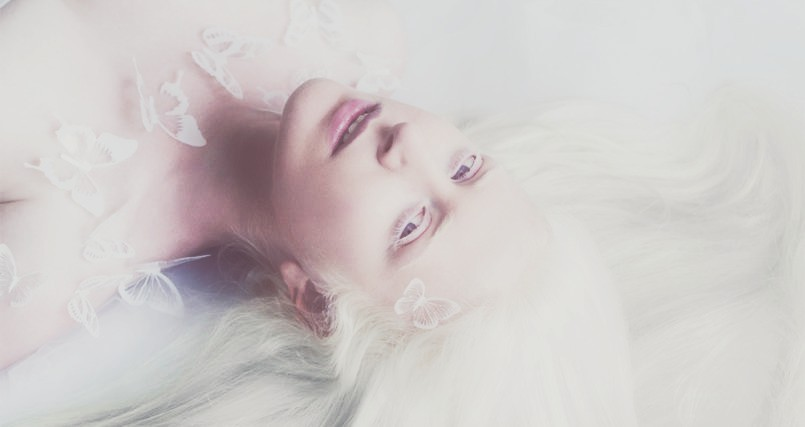 stunning-photo-series-shows-the-angelic-beauty-of-albino-people-805x427