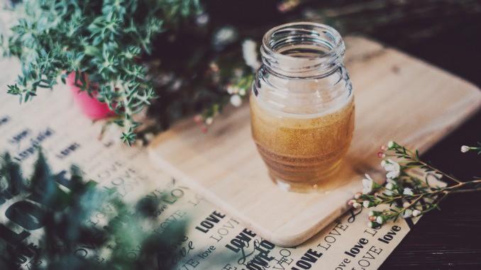 hoodoo-honey-jar-spell-678x381