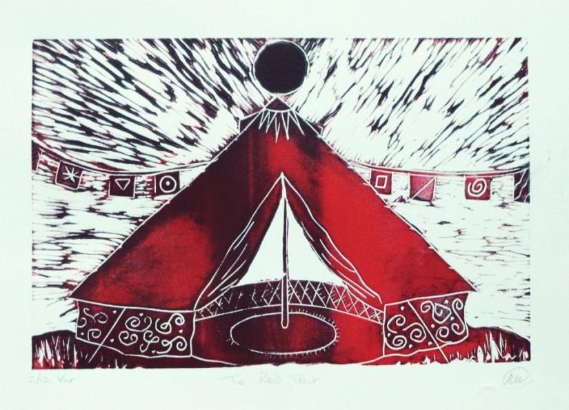 tenda rossa con luna nera